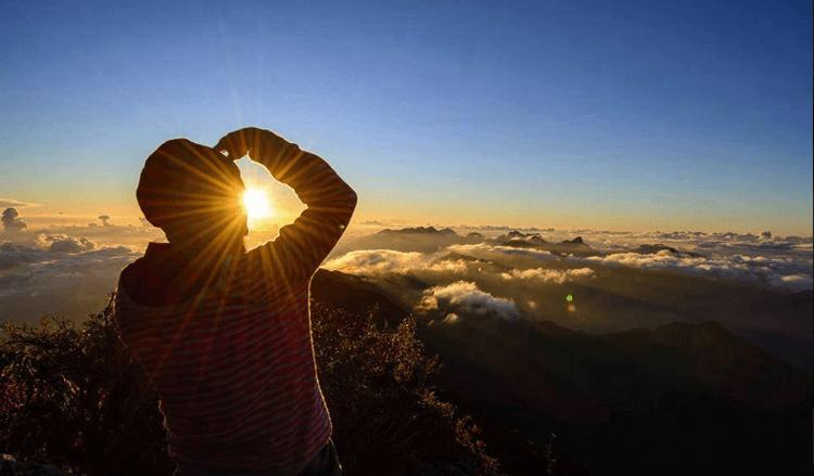 Fansipan cao 3143m, là ngọn núi cao nhất Đông Dương