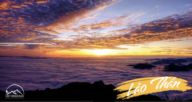 Lảo Thẩn - bình minh trên biển mây đại ngàn